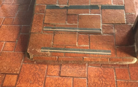 Rampa de acesso à parte superior do restaurante taberna