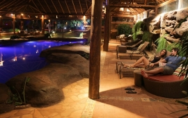 Piscina indoor climatizada | Foto: Casal Turista